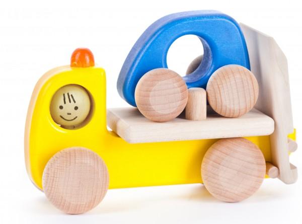 Bajo-Holzspielzeug-Abschleppwagen-01