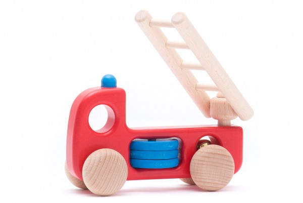 Bajo-Holzspielzeug-Feuerwehrauto-01
